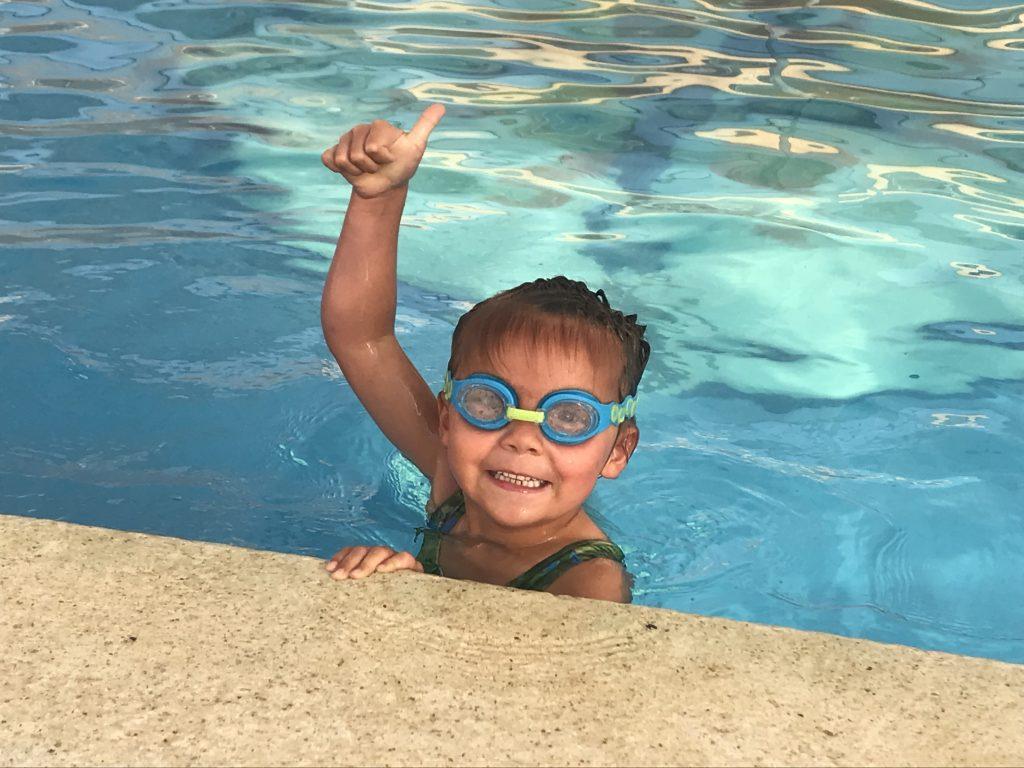 zelf kind leren zwemmen