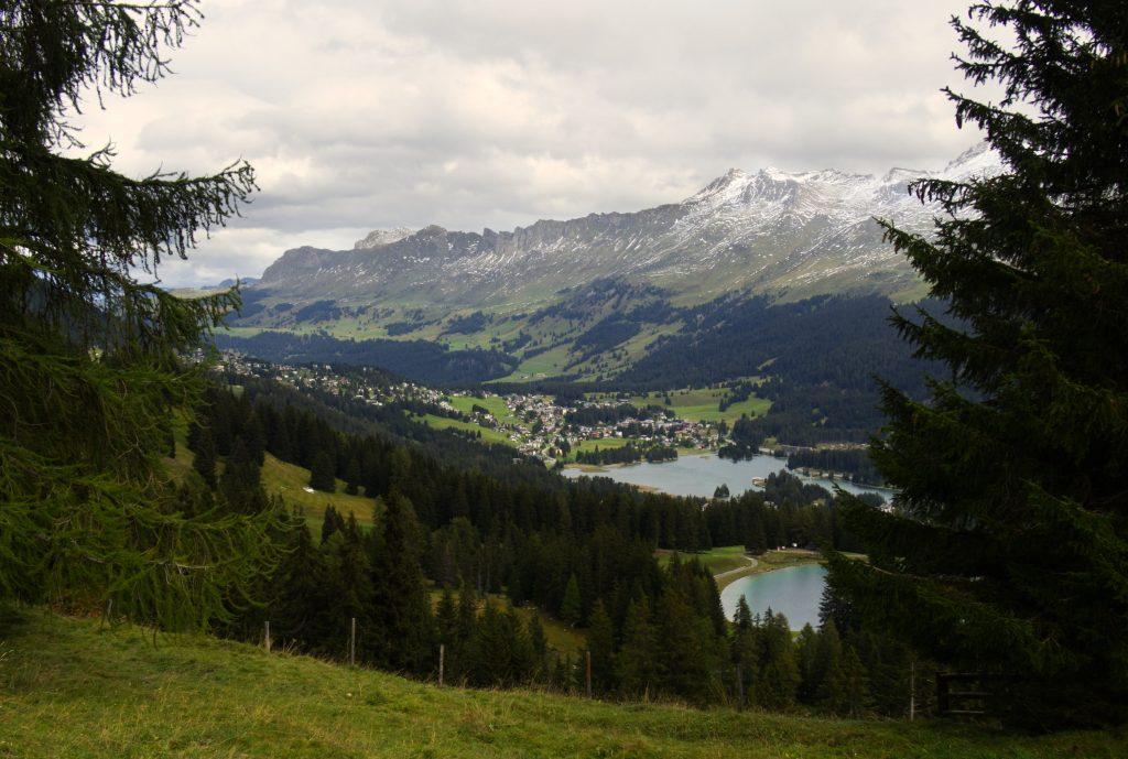 Uitzicht vanaf de Globi Wanderweg Lenzerheide